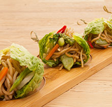 JAPANESE-STYLE FRIED NOODLES (VEGETABLE SANDWICH)